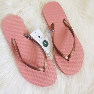 SHADE & SHORE Pink Flip Flops